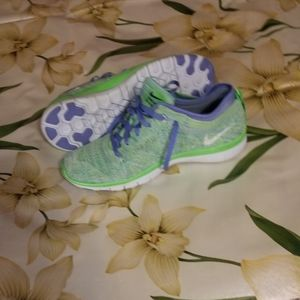 Nike Womens Free Tr Flyknit Running shoes